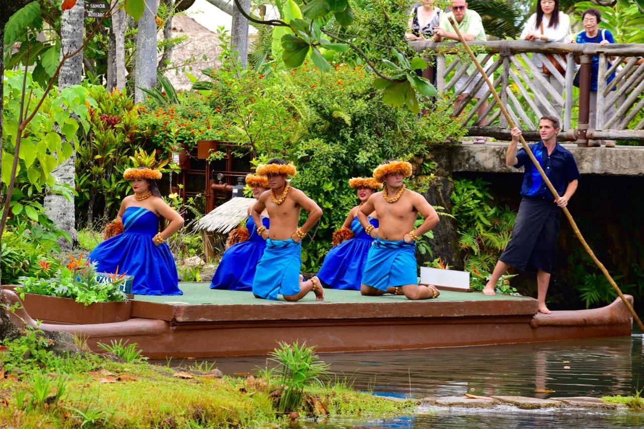 カヌーショー ハワイ